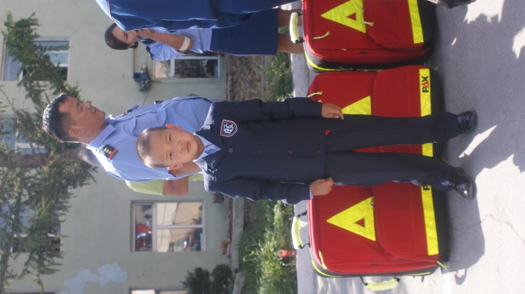 Ein junger Feuerwehrmann von Ulan-Bator :-)